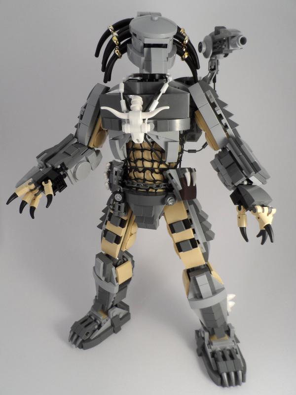 Персонажи от Paddy Bricksplitter Lego, Хищник, Чужие, Чужие среди нас, Робокоп, Судья Дредд, Звонок, Чарли чаплин, Длиннопост