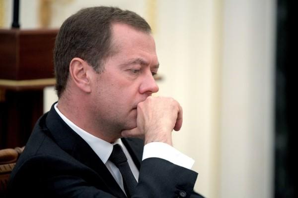 Медведев посетовал, что в Белом доме воруют ручки новости, Политика, Ручка, карандаш, белый дом