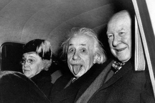 Картинки по запросу эйнштейн язык оригинал