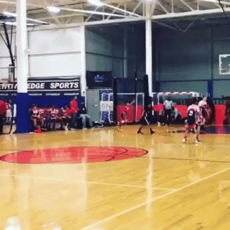 Говорят, баскетболом он больше не занимался