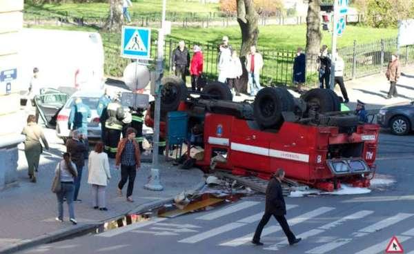 Если вы увидели, что пожарная машина попала в ДТП- не удивляйтесь! приказ, экономия, Тупость, бюрократия, усталость, Не мое