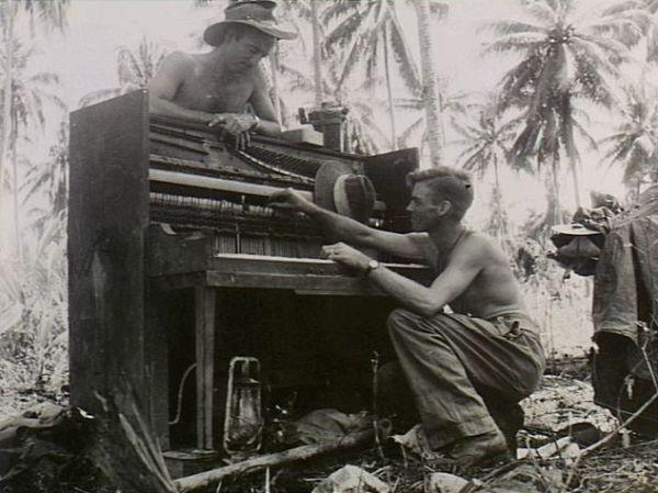 Кажется, пианино можно найти в любой войне. Война, Музыка, пианино, длиннопост