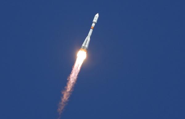 """Запущена ракета """"Союз-2.1а"""" с рекордным для РФ количеством спутников Россия, космонавтика, космос, ракета-носитель, Союз"""