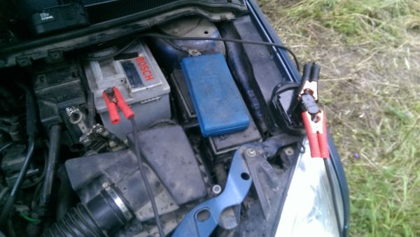 Заряжаем аккум машины от шуроповерта Машина, зарядка, аккумулятор, шурик