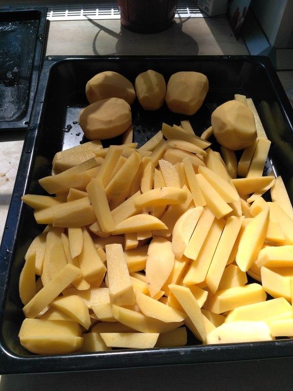 Картошка в духовке. Как фри только не жирная. еда, кухня, вкусно, пальчики оближешь, обещание выполнено, длиннопост