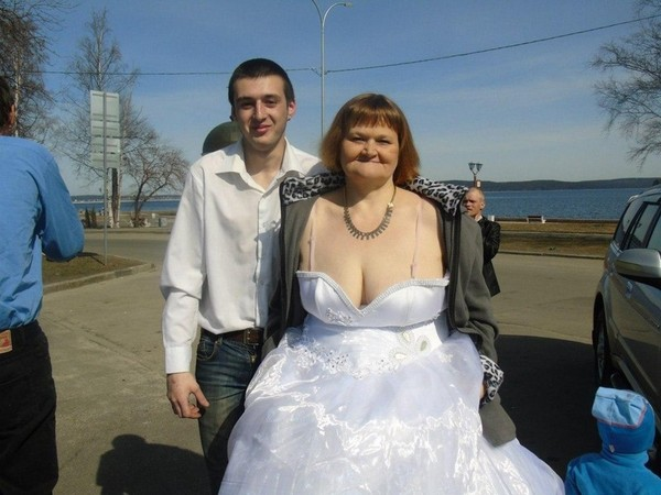 На свадьбе ебнули невесту все кроме жениха