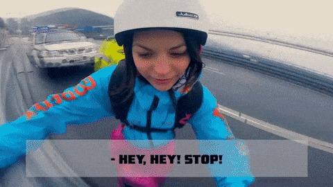 Я просто хочу посмотреть. Девушки, Бейсджампинг, Полиция, Мост, Прыжок с парашютом, Гифка