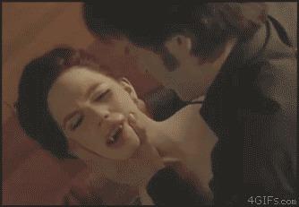 Когда не хочешь, чтоб она на тебя смотрела. вампиры, страсть, гифка