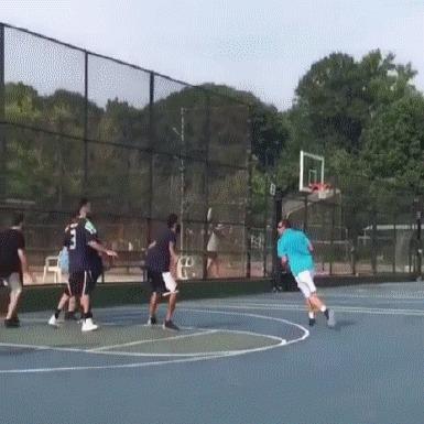 Адам Сэндлер может в баскетбол! Баскетбол, Стритбол, Адам Сэндлер, Гифка