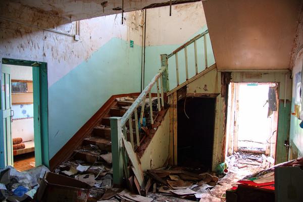 Общежитие Ижевска, царство плесени и хаоса ижевск, заброшенное, общежитие, урбанфакт, длиннопост, видео