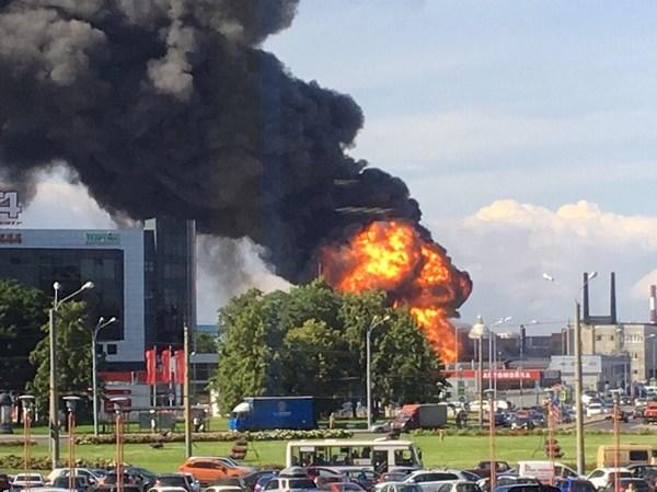 В Питере горит ангар с химикатами Санкт-Петербург, пожар, химикаты, дым, длиннопост