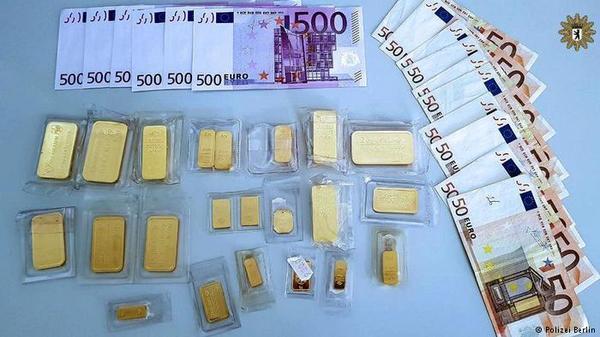 Золото под деревом Золото, евро, Берлин, находка