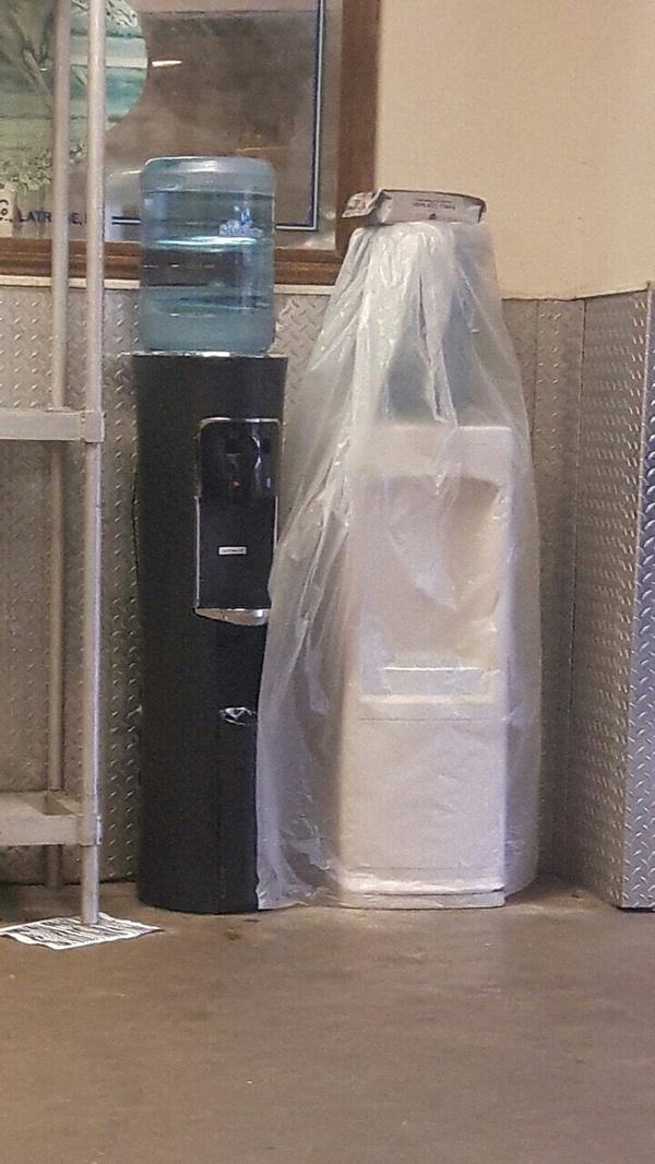 Праздник - хоть залейся! Кулер для воды, свадьба, reddit, Парейдолия