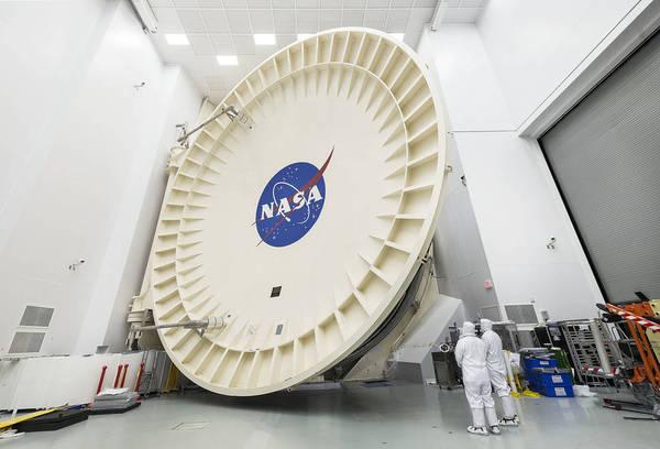 Телескоп James Webb Space Telescope поместили в криогенную камеру для испытаний телескоп, webb, космос, астрономия, NASA, видео, длиннопост