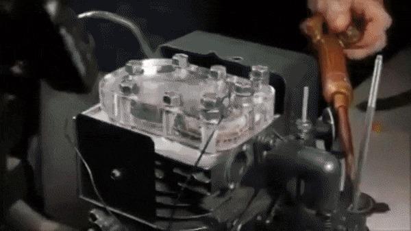Внутри двигателя внутреннего сгорания
