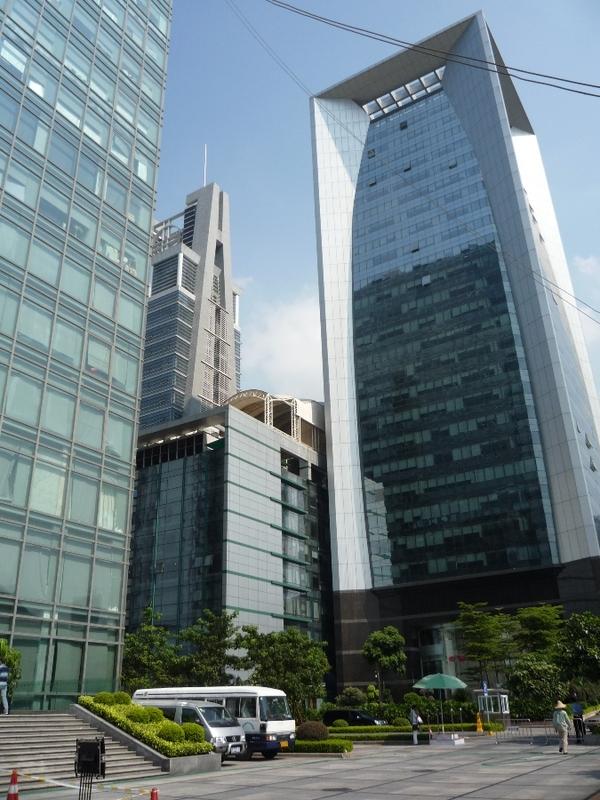 Самый большой в мире рынок подделок в Гуанчжоу Китай, Подделка, Бренды, Гуанчжоу, Не мое, Длиннопост, Текст, Репост