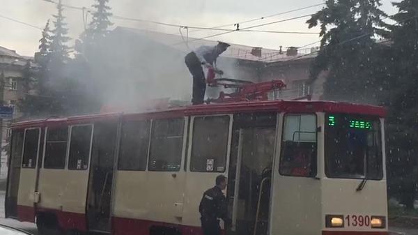 Всё-таки в Челябинске живут суровые люди челябинск, новости, трамвай, пожар
