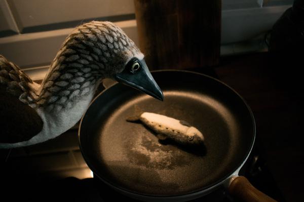 Как накормить голубоногую олушу валяной сардинкой. Фотоистория моё, рукоделие без процесса, сухое валяние, фильцевание, шерсть, длиннопост