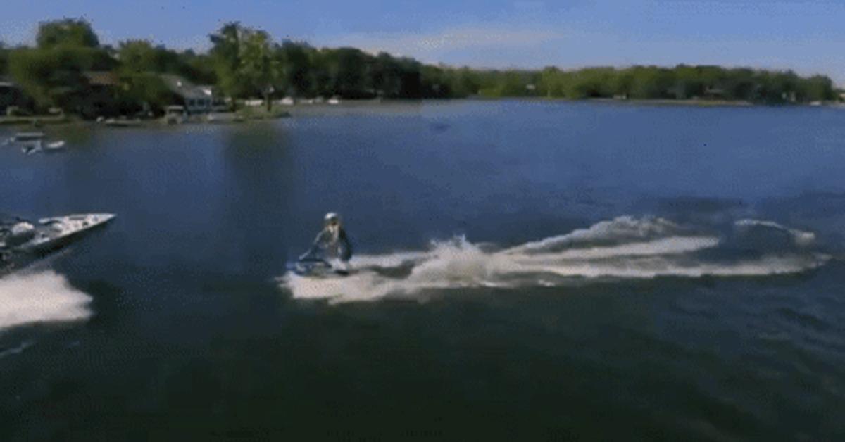 сложный водный мотоцикл гифка всего суете