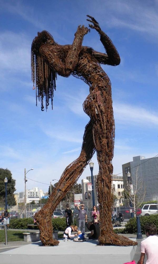 Скульптура «Экстаз» из металлолома скульптура, экстаз, маталлолом, инсталляция, женщина