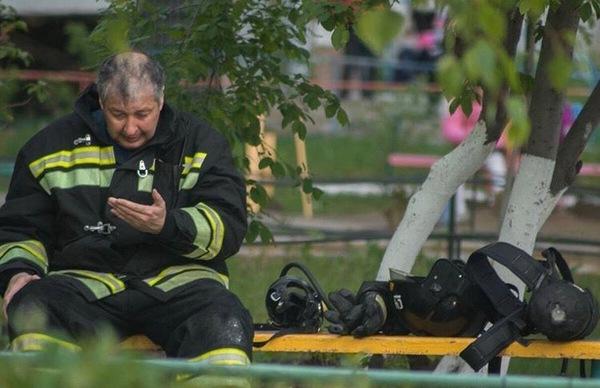 Такая работа - спасать! пожар, мчс, спасатель, пожарные, работа