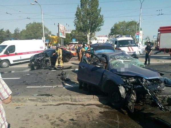 Два человека погибли, еще двое пострадали в результате крупного ДТП в центре Донецка ДТП, Жертва, ДНР, Донецк, Авария, Видео, Длиннопост