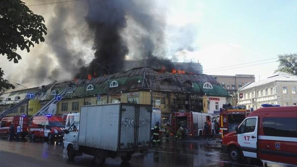 Горит торговый центр на Таганке пожар, Таганка