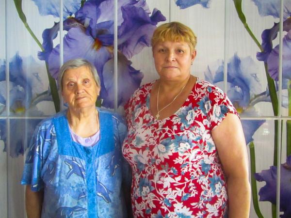 Женщина ухаживает за 54-летней соседкой с синдромом Дауна Синдром Дауна, благотворительность, Челябинск, добро, длиннопост