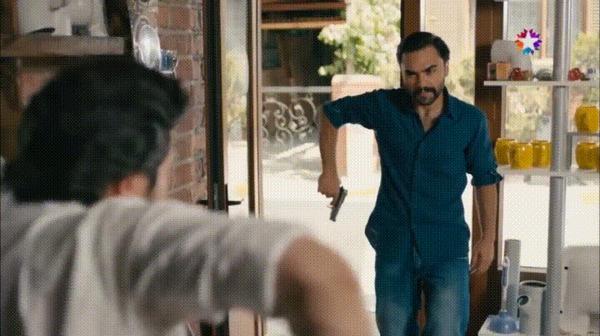 Гаечный ключ выручит в любой ситуации индийское кино, гаечный ключ, самооборона, гифка