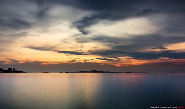 Тайская область, город Паттайск, закаты на бичке. Небо, море, облака, вечер, закат, Таиланд, Паттайя, санук сабай май пэн рай