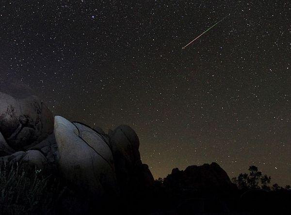Что такое метеорный поток? Метеор, Поток, Персеиды, Радиант, Комета, Космос, Текст, Длиннопост