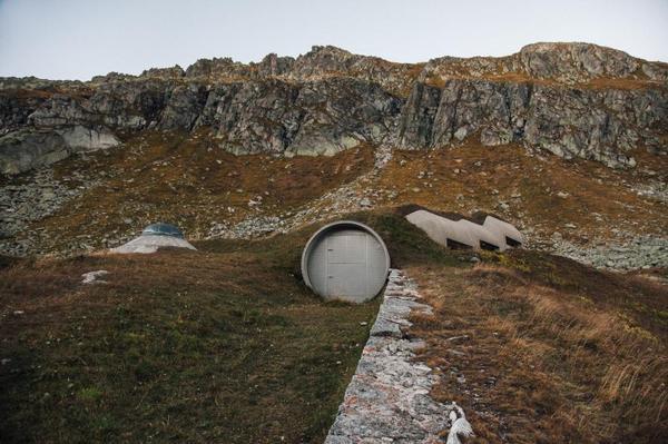 Филиал Vault-Tec в Швейцарии Бункер, Fallout, фотография, копипаста, длиннопост