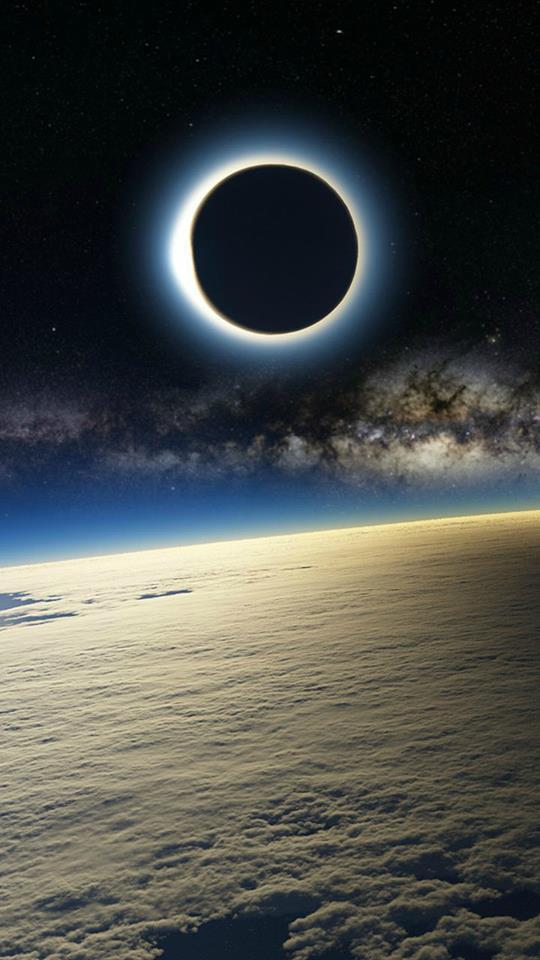 Солнечное затмение с МКС