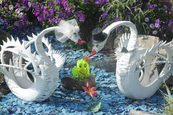Омские дворовые пейзажи двор, скульптура, рукожоп, длиннопост, Саратов vs Омск