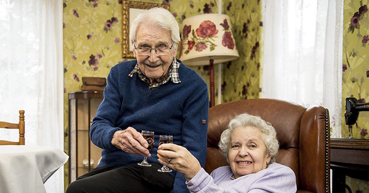 Во все дыры пожилых