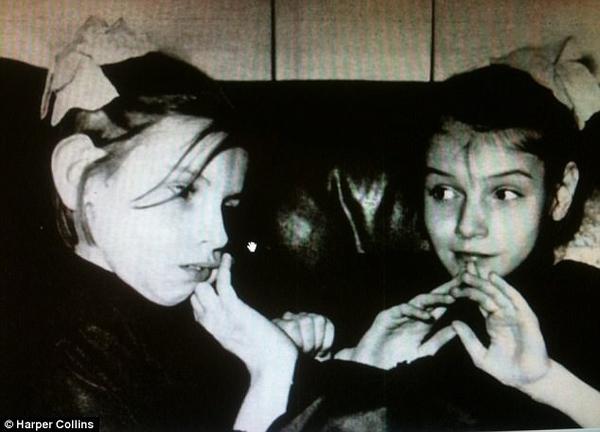 Как сложилась жизнь сиамских сестер-долгожительниц? Одна из сестер была «психопаткой» и испортила всю жизнь другой сиамские близнецы, история, сестры, такие разные, длиннопост