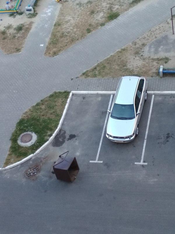 Застолбил.... парковка, двор, соседи