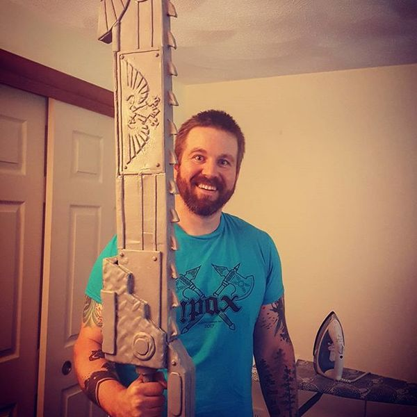 Искреннее счастье Warhammer 40k, chainsword, косплей, катачан, радость, Мужчина