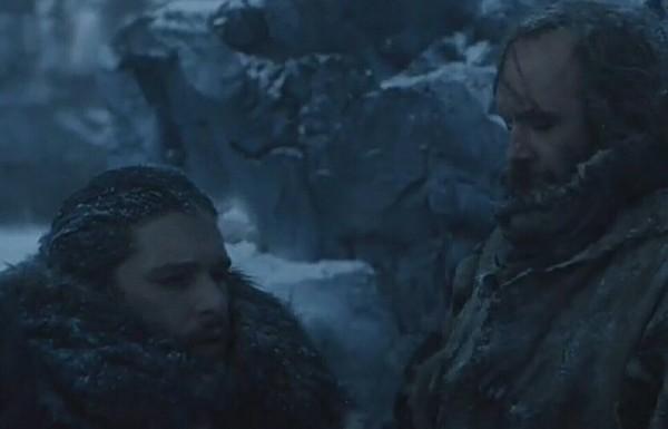 Когда ждешь автобус в январе в Норильске шакалы, Норильск, холод, Игра престолов, скриншот