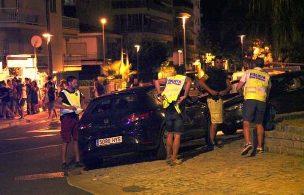 Пять человек пострадали в испанском Камбрильсе при попытке наезда фургона на пешеходов общество, Происшествие, Теракт, Камбрильс, Каталония, Барселона, интерфакс