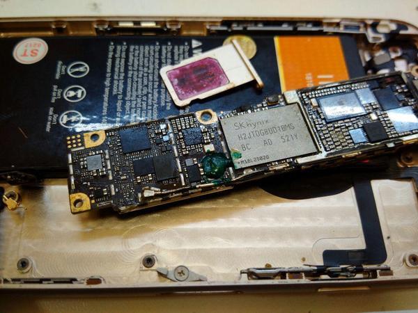 """Треш, угар и содомия. IPhone 6 """"Мне сказали только шлейфик поправить надо"""". пятничный тег моё, Iphone 6, техножесть, содомия"""