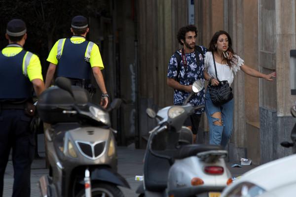 За год пережила теракты в трёх странах Европы новости, туристы, Испания, Европа, теракт, Австралия