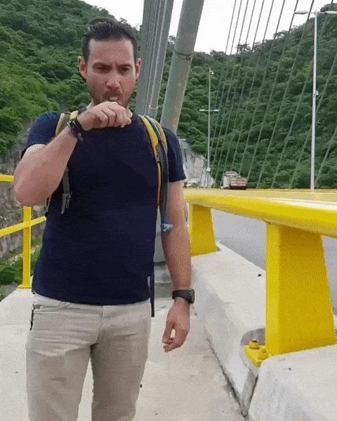Вейпер на мосту