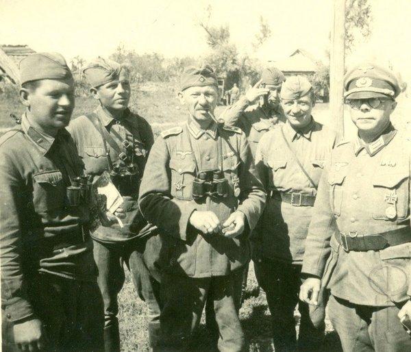 """Диверсанты немецкого полка """"Бранденбург 800"""" в советской униформе. Вторая мировая война. Лето 1941г."""
