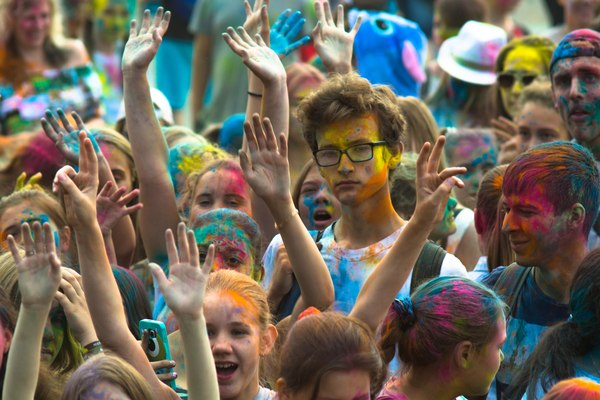 Фестиваль красок холи в Перми Пермь, холи, Фестиваль Красок