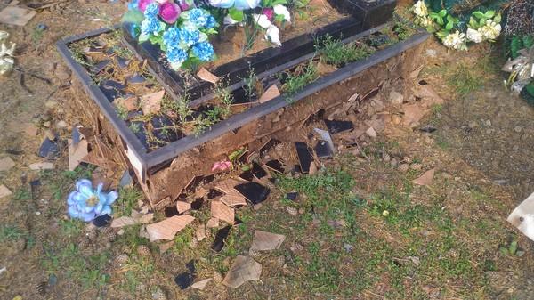 Вандализм. могила, кладбище, Памятник, мат, злость, боль, Вандализм, длиннопост