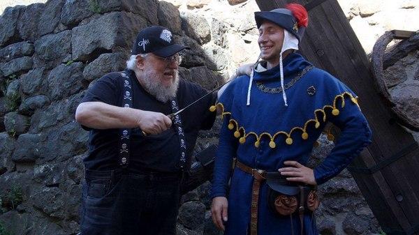 ДЖОРДЖ МАРТИН: «Вот мы с вами разговариваем, а продюсеры сериала продолжают убивать» Игра престолов, Сага Песнь Льда и Пламени, джордж мартин, длиннопост
