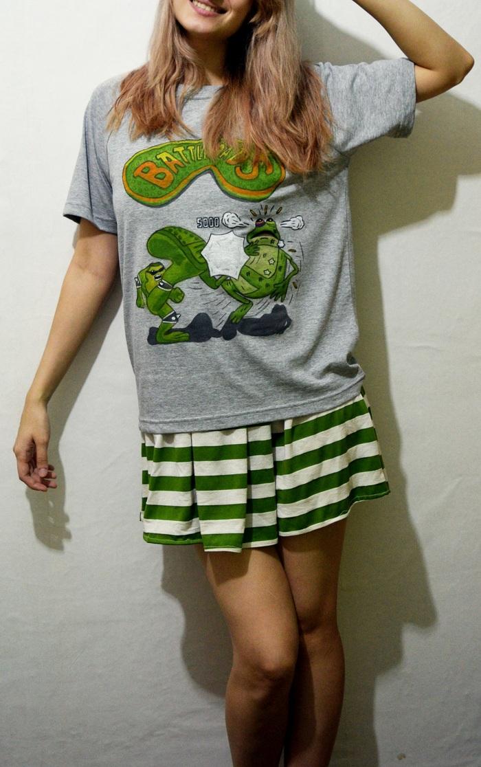 Немного лягушек на футболке :)