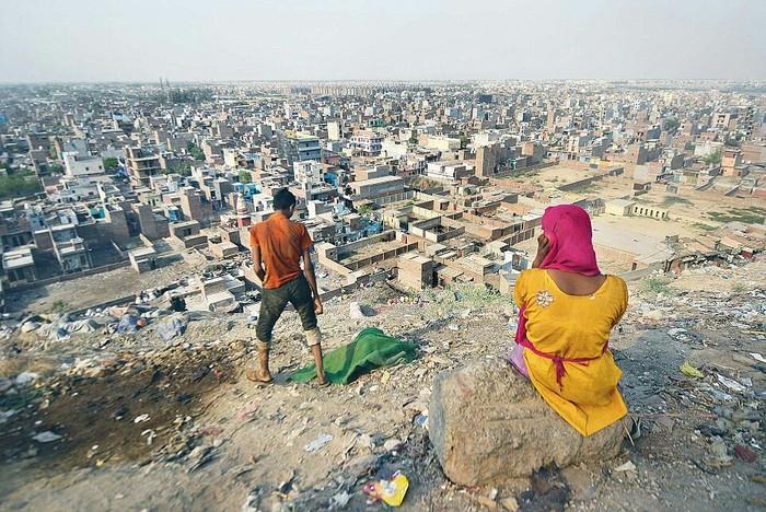 Свалка в Дели высотой с 16-ти этажный дом Свалка, Индия, Отходы