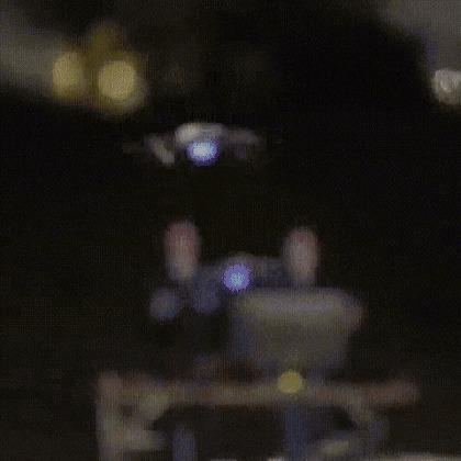 Warner Bros. совместно с Intel запустили в небо 300 дронов в честь празднования выхода фильма на ДВД Чудо-Женщина, Дрон, Световое шоу, Warner brothers, Intel, Гифка